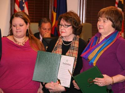 Executive Director Receives Honor linda_volunteer_appreciation_4780web